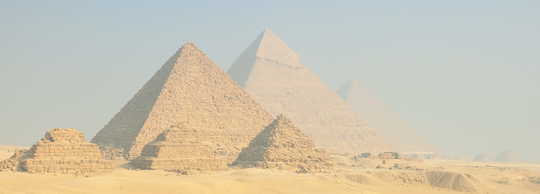 De piramide als stevig symbool voor het fundament van je bedrijf